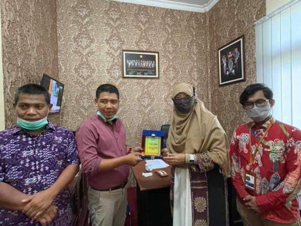 Kunjungan Rektor Institut TAZKIA Bogor