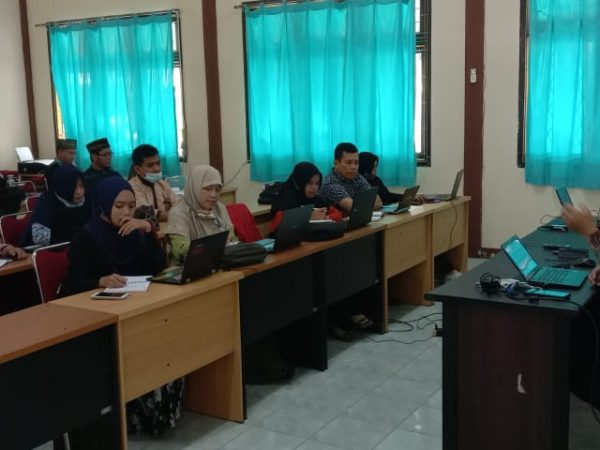 Tingkatkan Publikasi Ilmiah, Pascasarjana Selenggarakan Pelatihan Jurnal